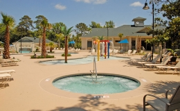coral-sands-spa-and-kiddy-pool-with-play-water-features