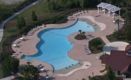 hampton-hall-commercial-pool-with-double-beach-entrys1
